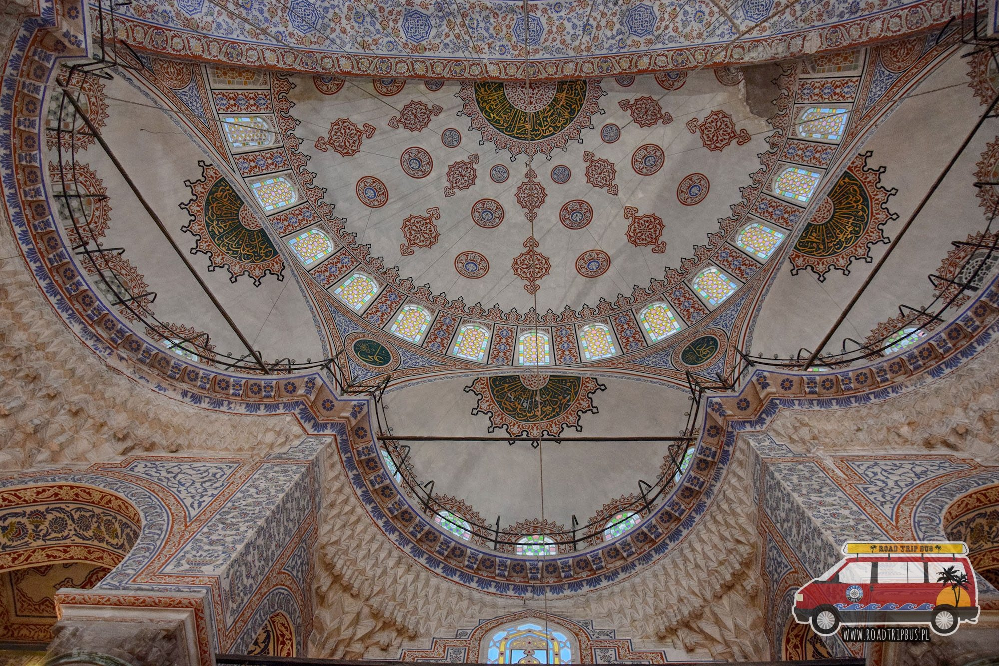 Jedna z kopuł Błękitnego Meczetu z wewnętrznej strony.