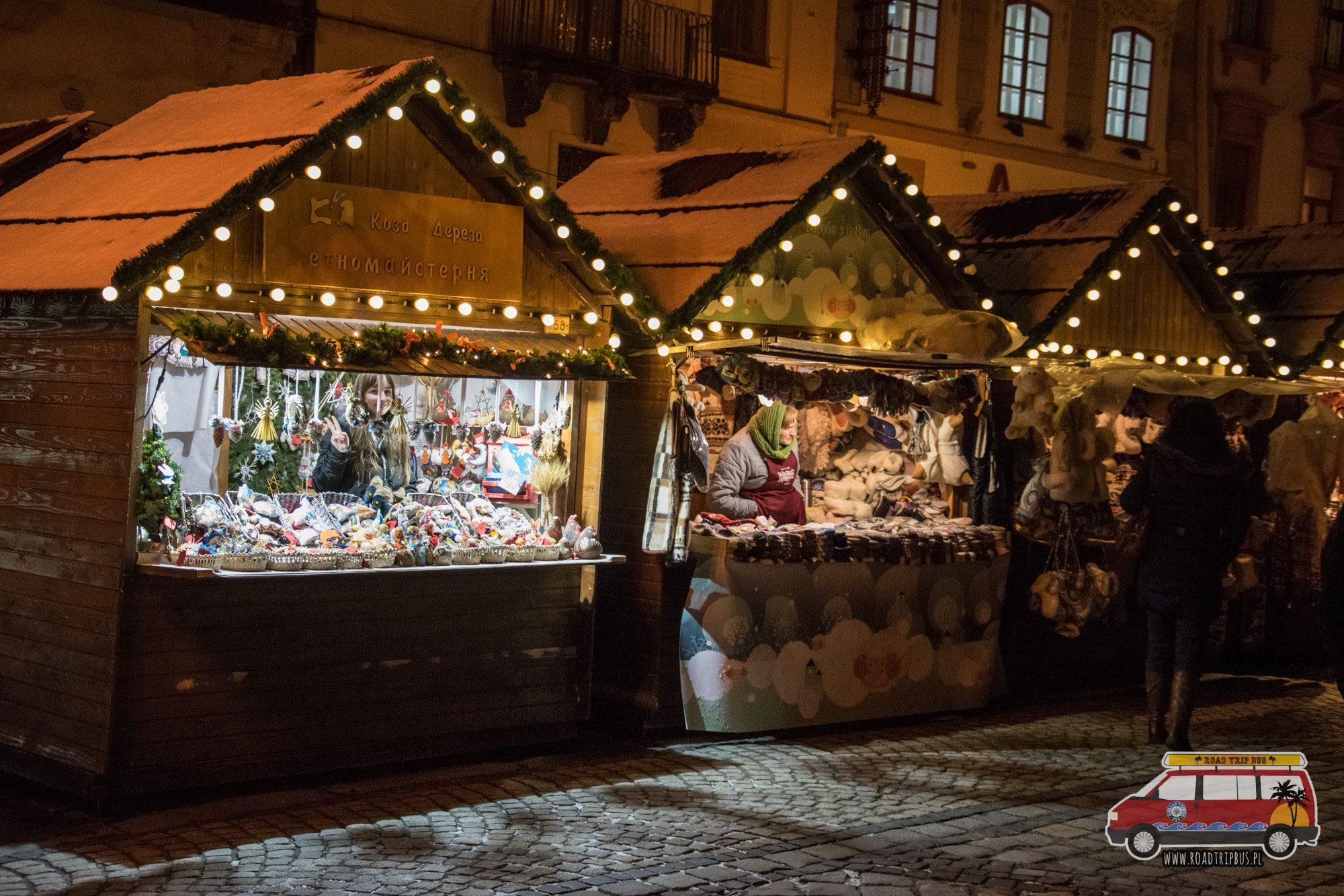targ świąteczny we Lwowie