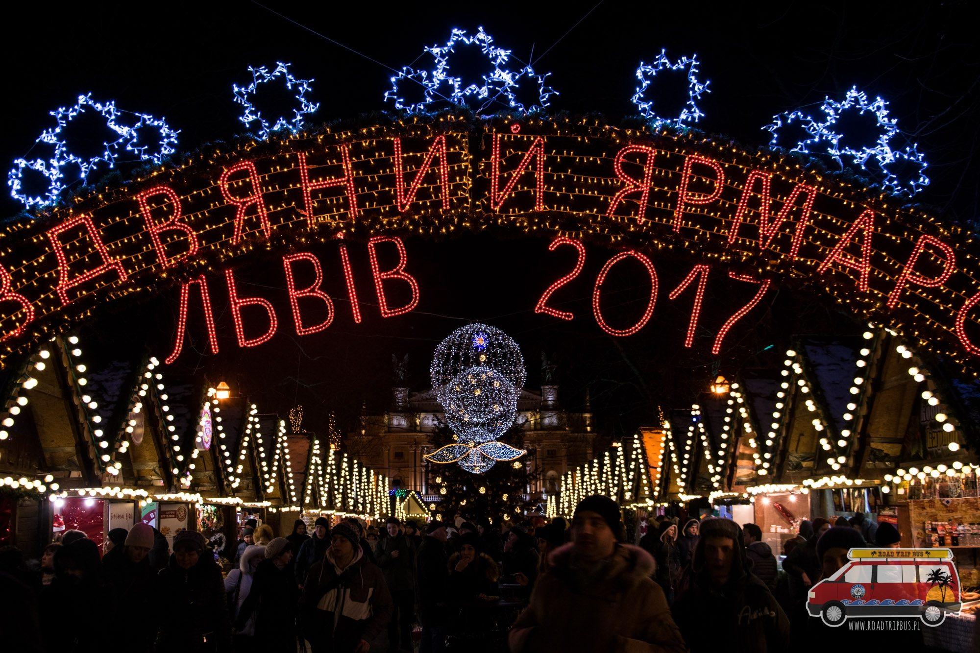 kiermasz świąteczny we Lwowie