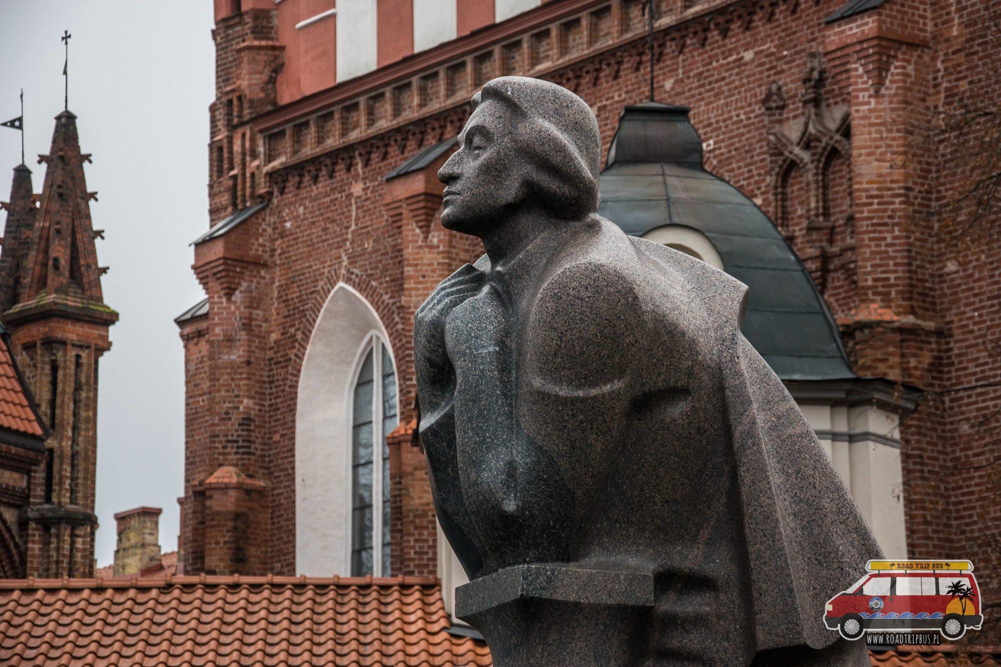 pomnik mickiewicza wilno