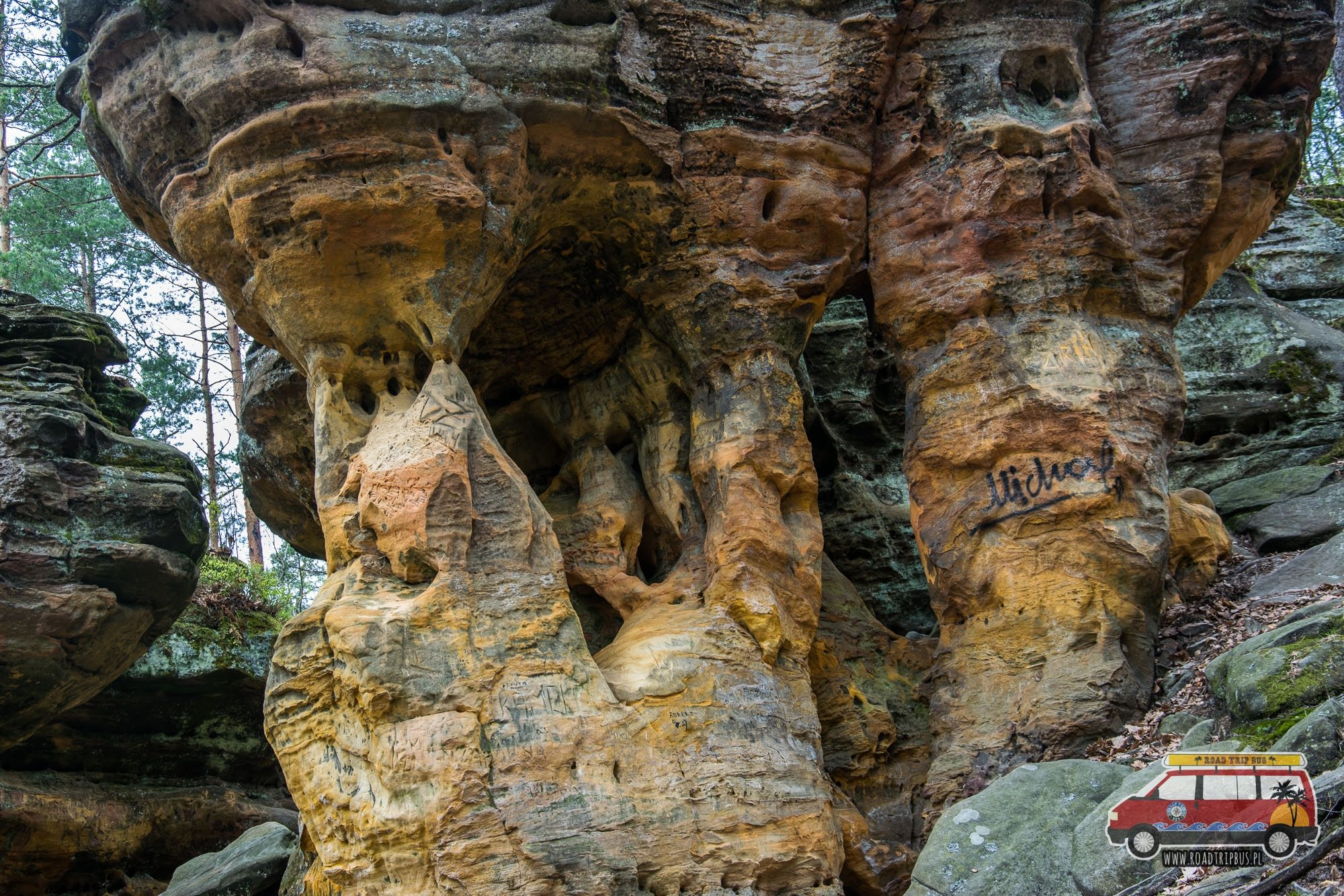 skały niekłań