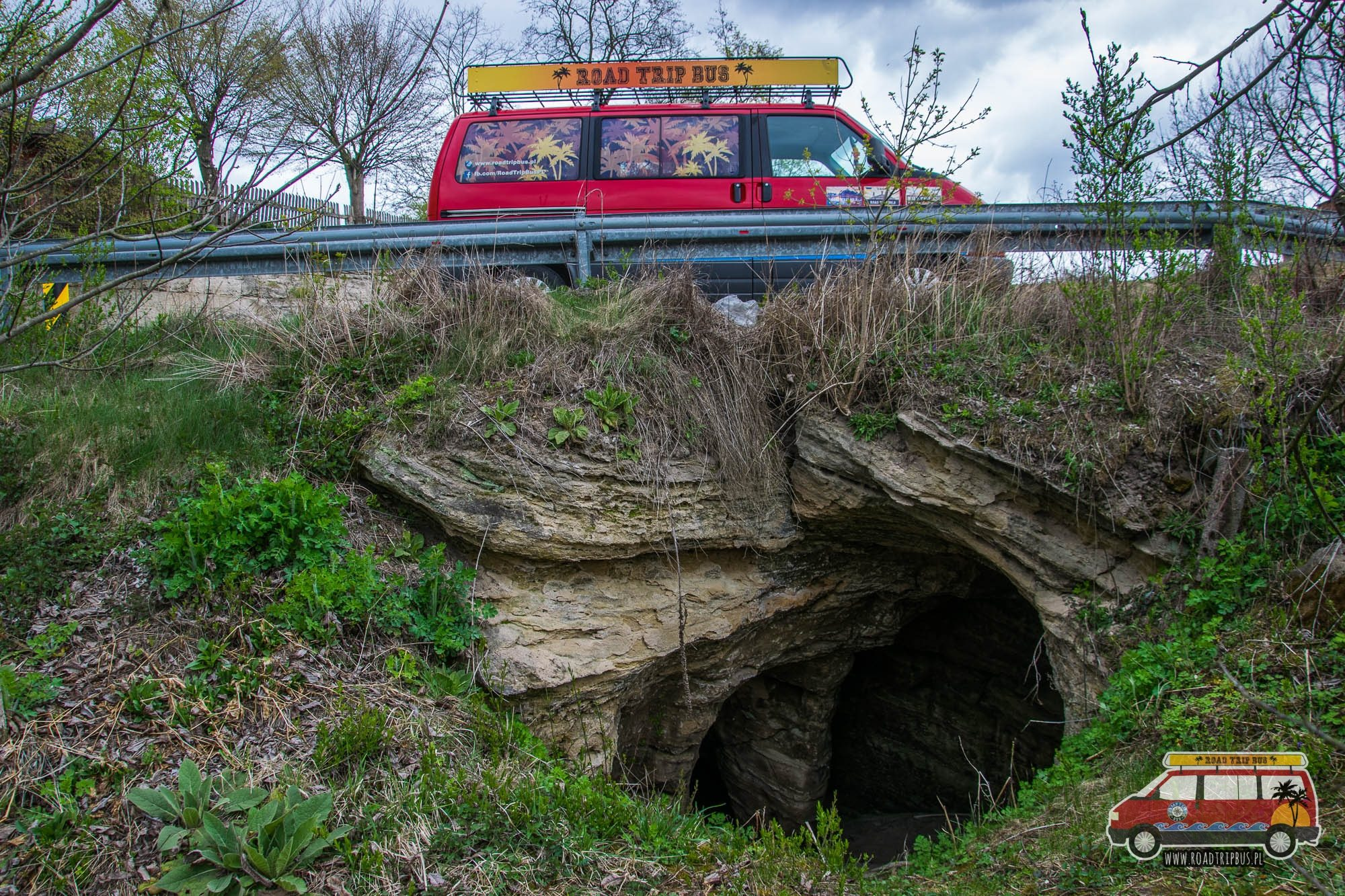 jaskinia z zielonym filarem