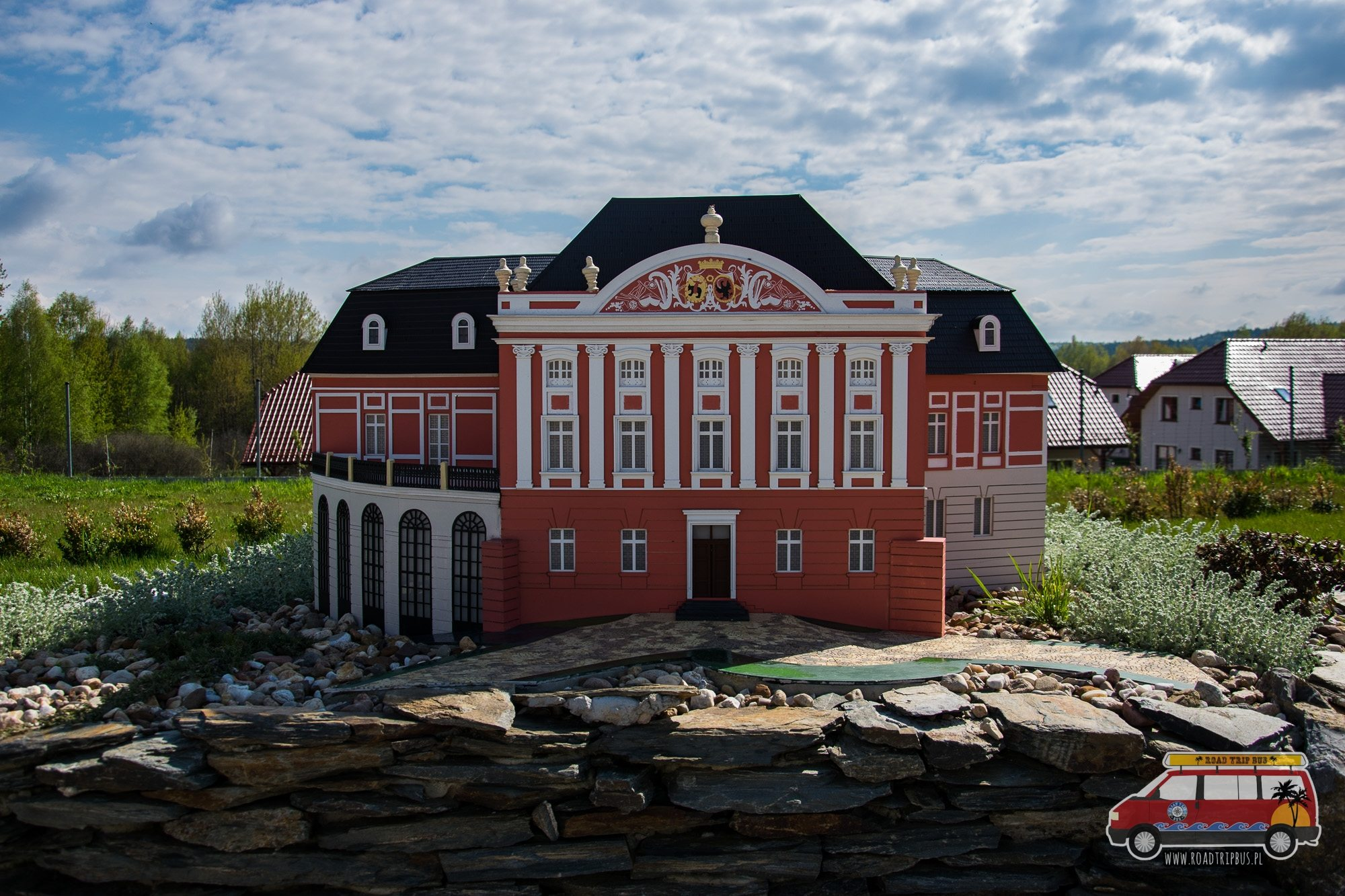 pałac w kurozwękach miniatura