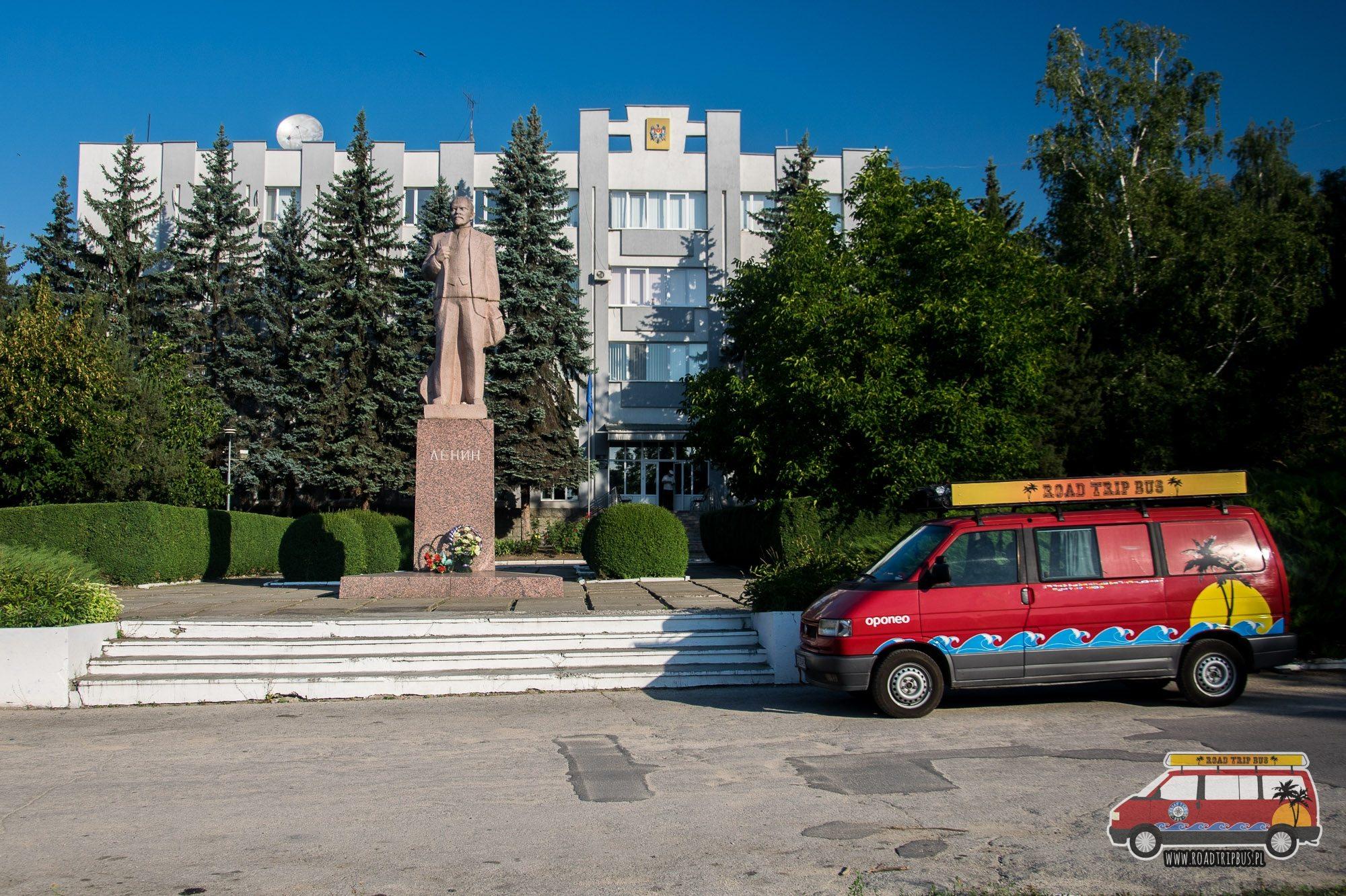 Pomnik Lenina to widok często spotykany w Mołdawii.