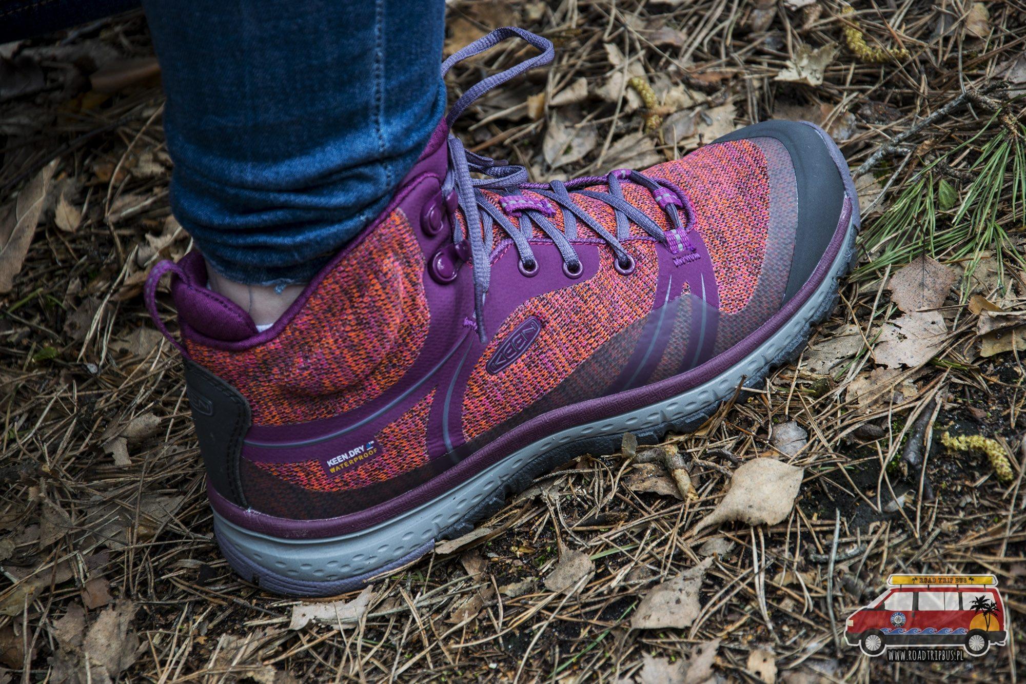 różowe buty trekkingowe