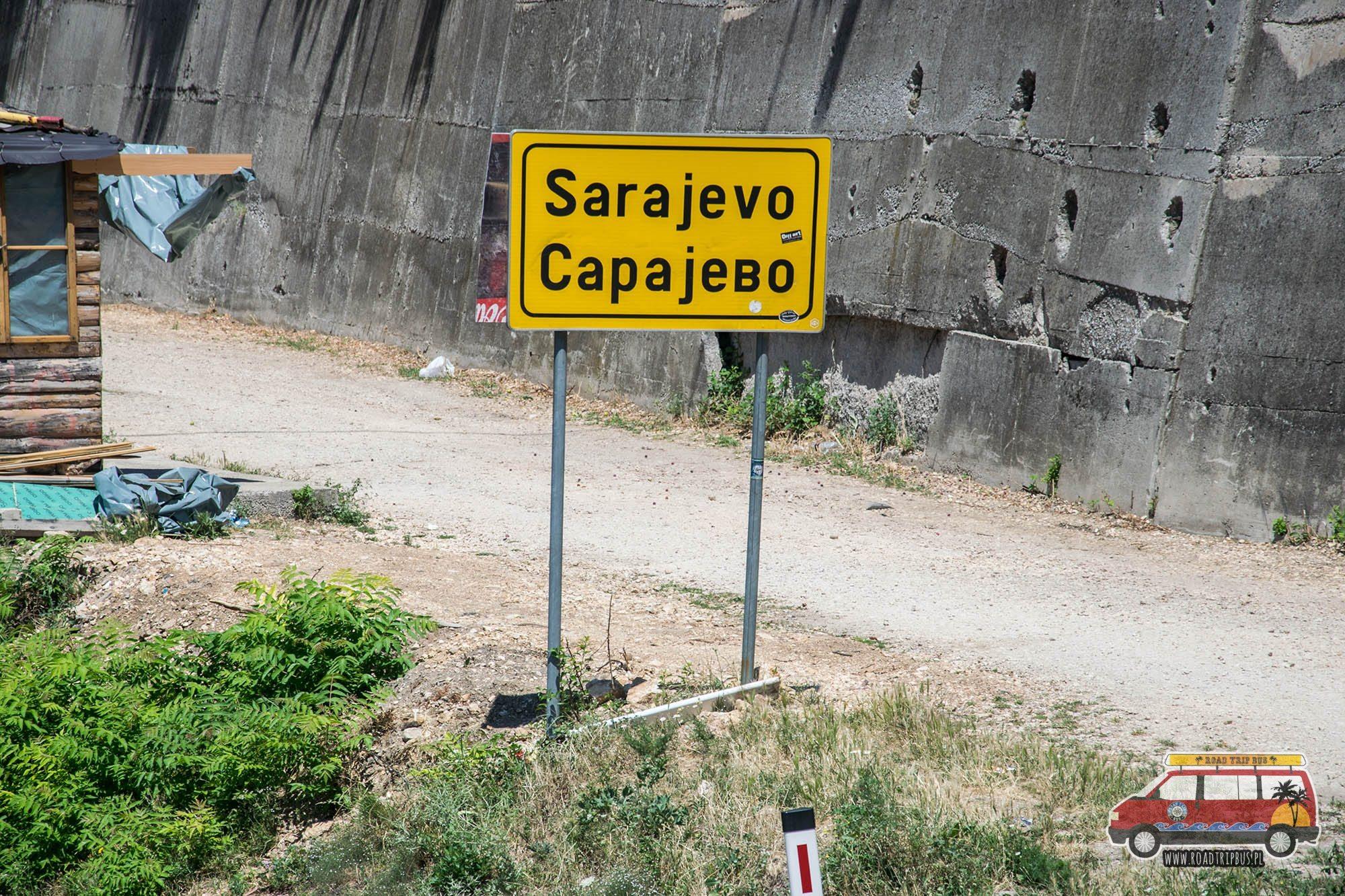 znak drogowy bośnia