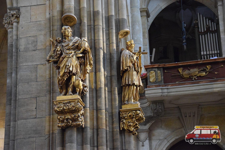 figury świętych w Katedrze św. Wita w Pradze