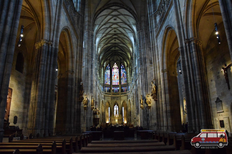 wnętrze Katedry Świętego Wita w Pradze