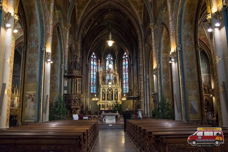 wnętrze kościoła św. Piotra i Pawła w Pradze