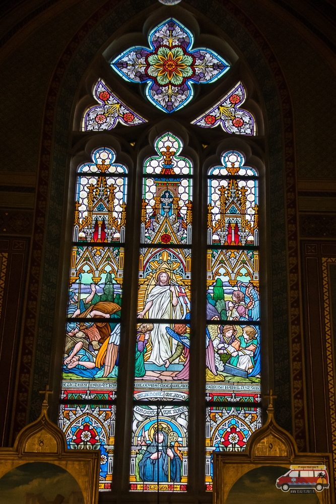 witraż w katedrze św. Piotra i Pawła w Pradze
