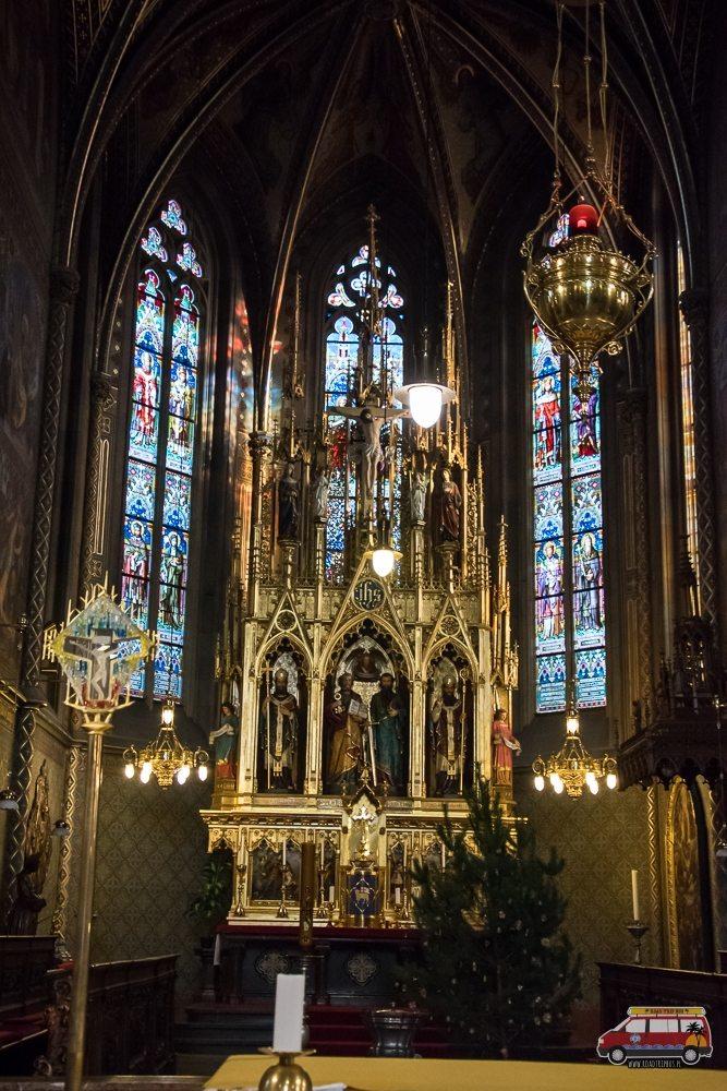 Wnętrze Katedry na Wyszehradzie w Pradze
