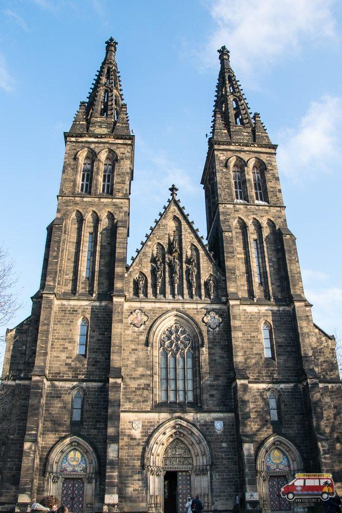 Katedra św. Piotra i Pawła z zewnątrz