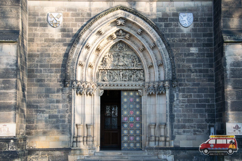 gotycki portal katedry św. Piotra i Pawła