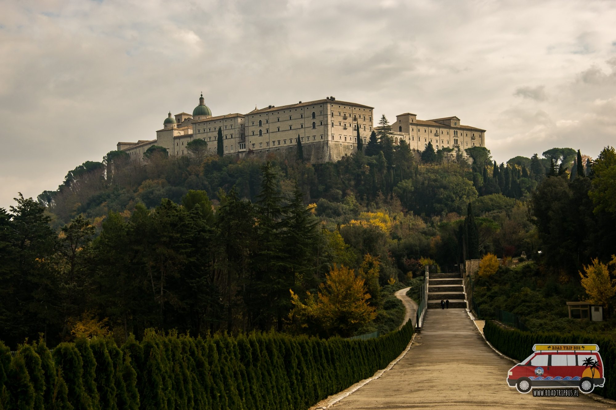 klasztor montecassino z oddali