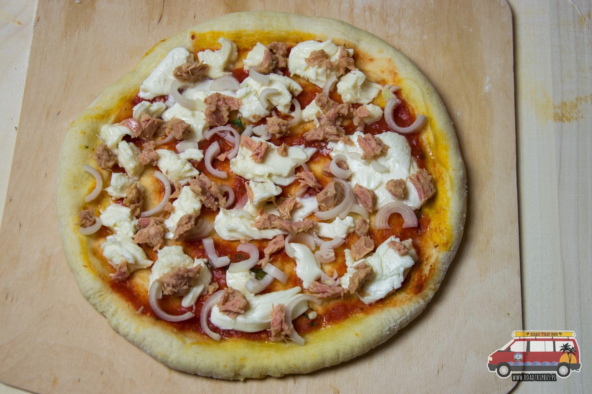 pizza con tonno e cipolla