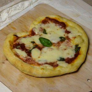 pizza w kształcie serca przepis
