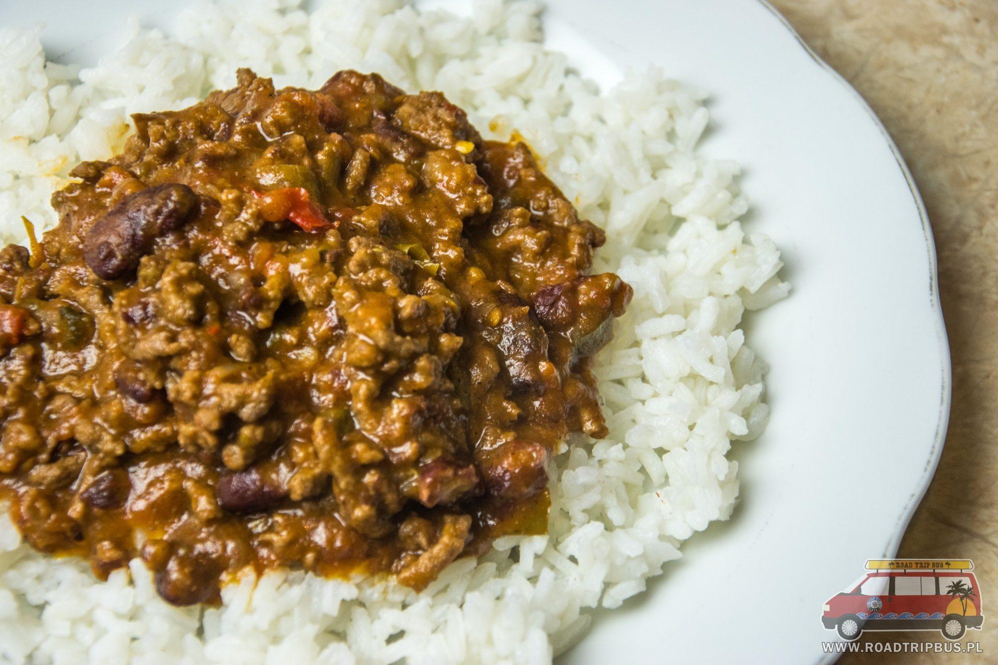 chili con carne z ryżem