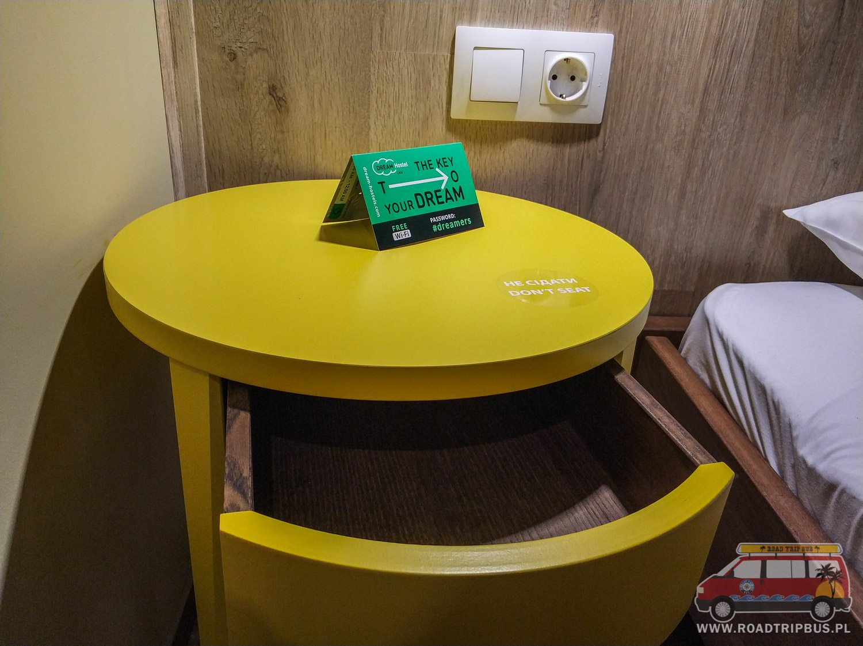 szafka z szufladą