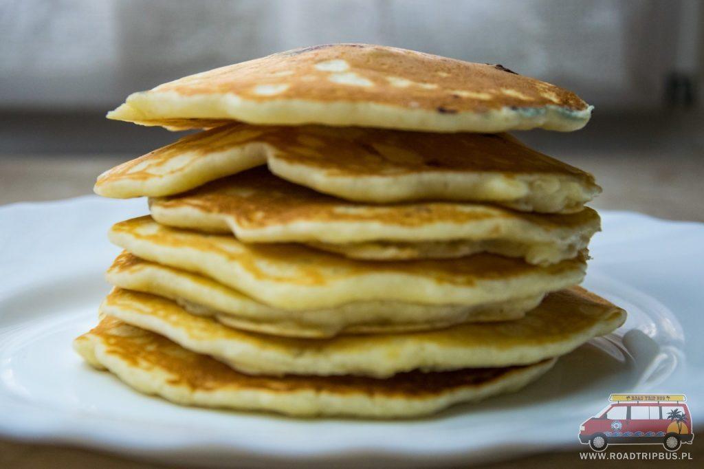 pancakes wieża po usmażeniu