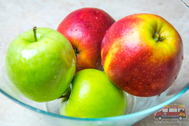 jabłka na szarlotkę