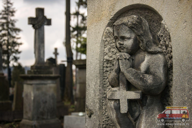 aniołek z krzyżem