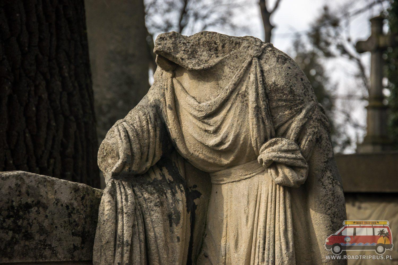 posąg bez głowy