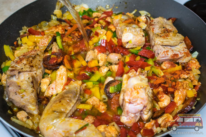 Paella Z Kurczakiem I Krewetkami Oryginalny Hiszpanski Przepis