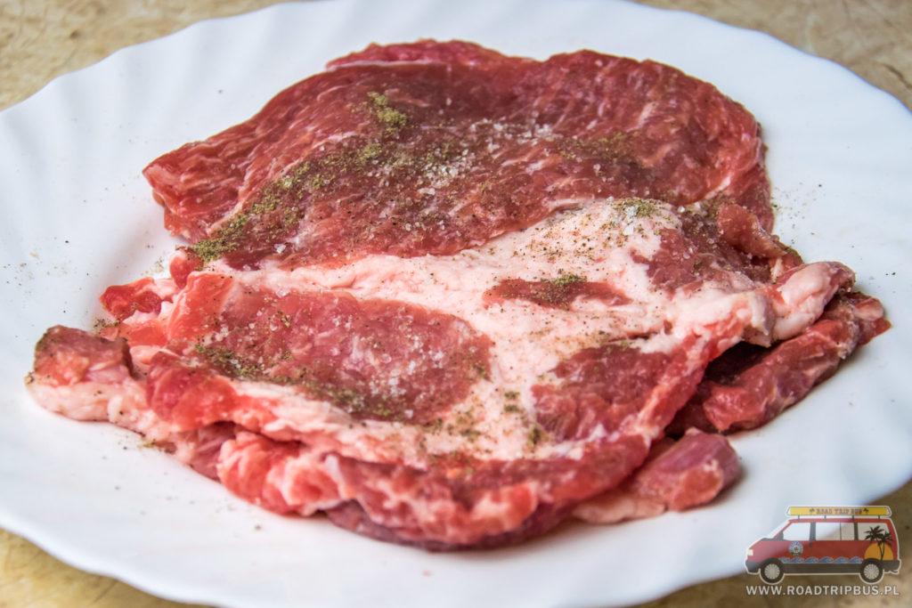 przyprawione mięso