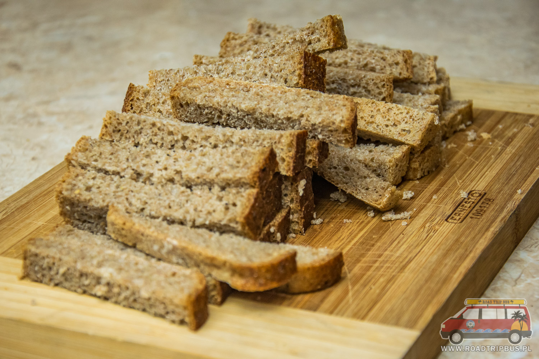duona su česnaku