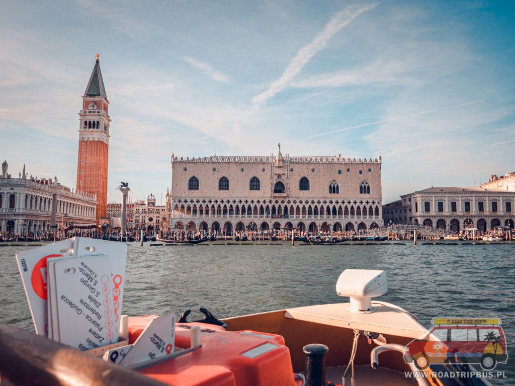 vaporetto w Wenecji