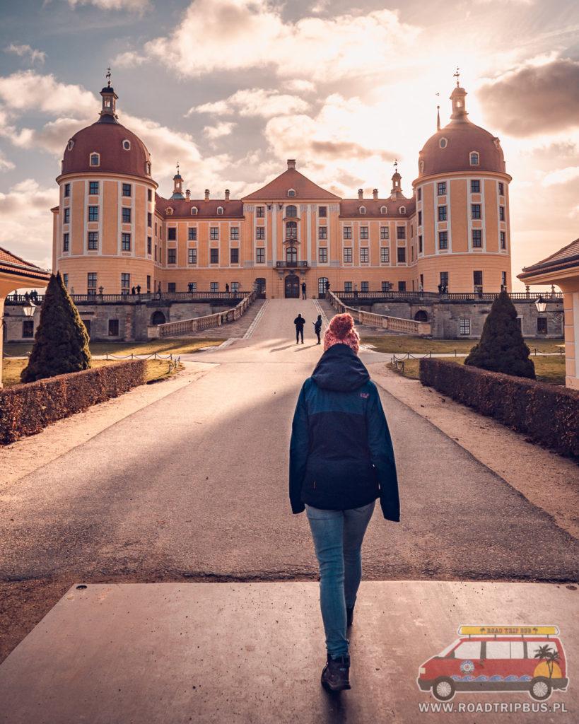wejście do pałacu