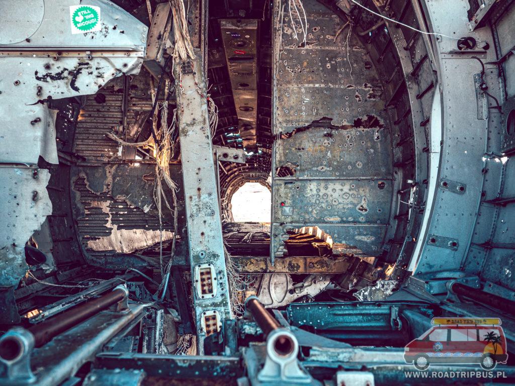 zniszczony kadłub samolotu