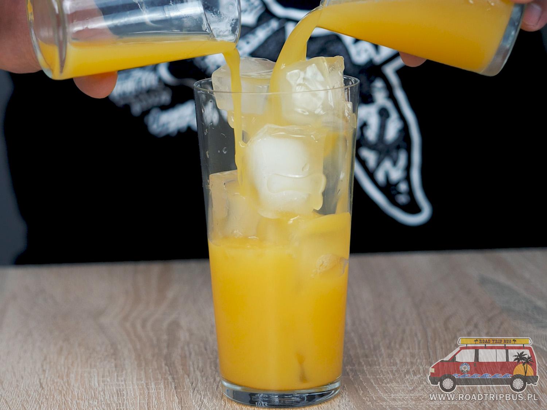 sok pomarańczowy i ananasowy