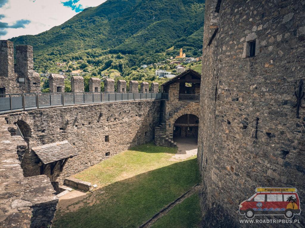 mury zamkowe na które można wejść