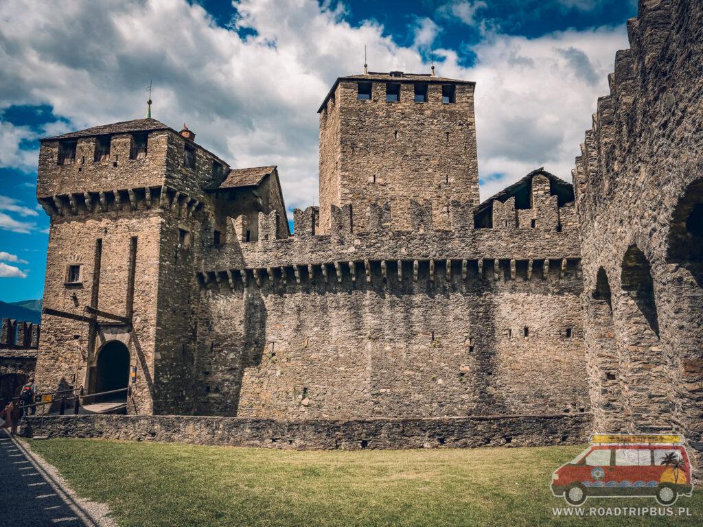 wejście do zamku