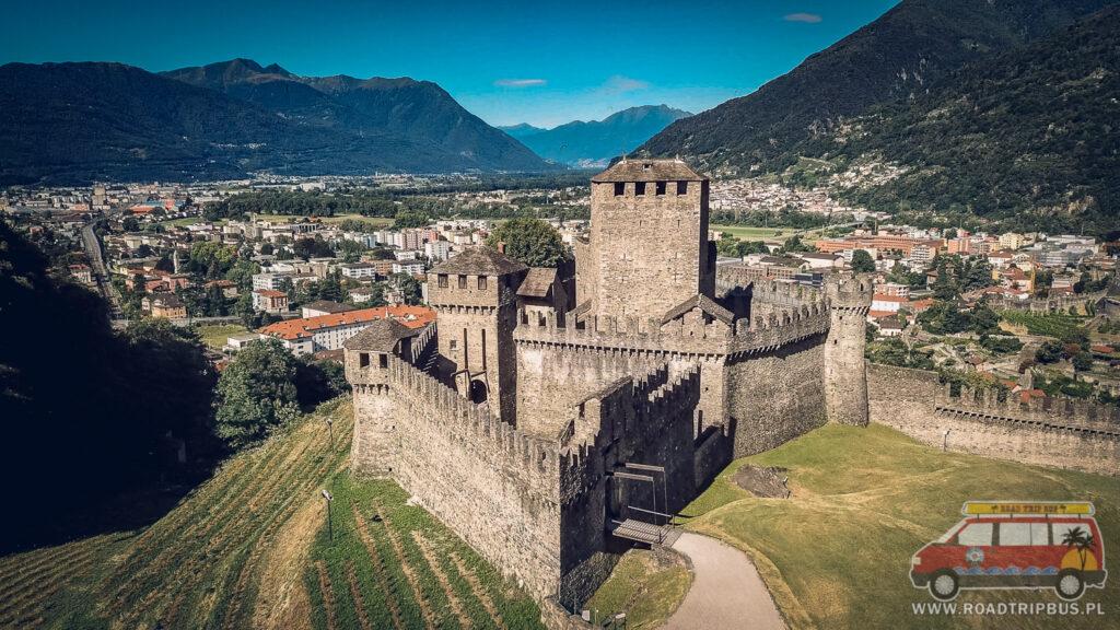 zamek montebello w belinzonie