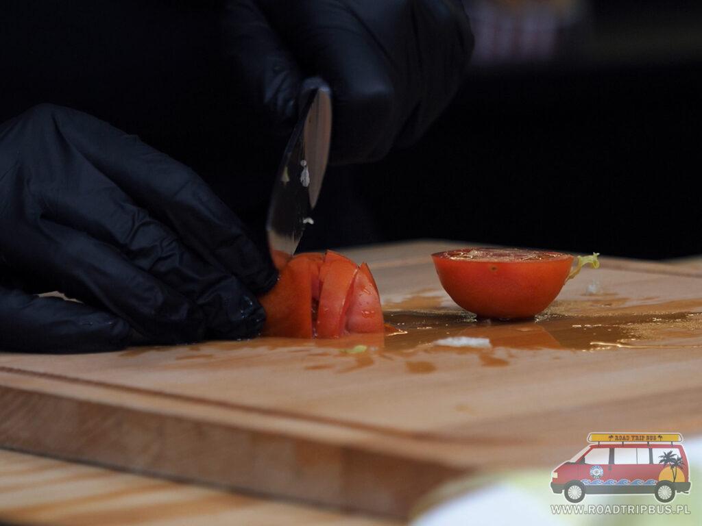 krojenie pomidora