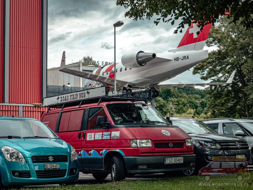 parking przy muzeum transportu w Lucernie