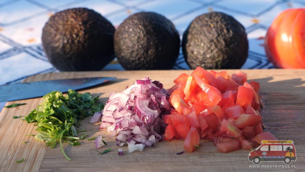 składniki na guacamole