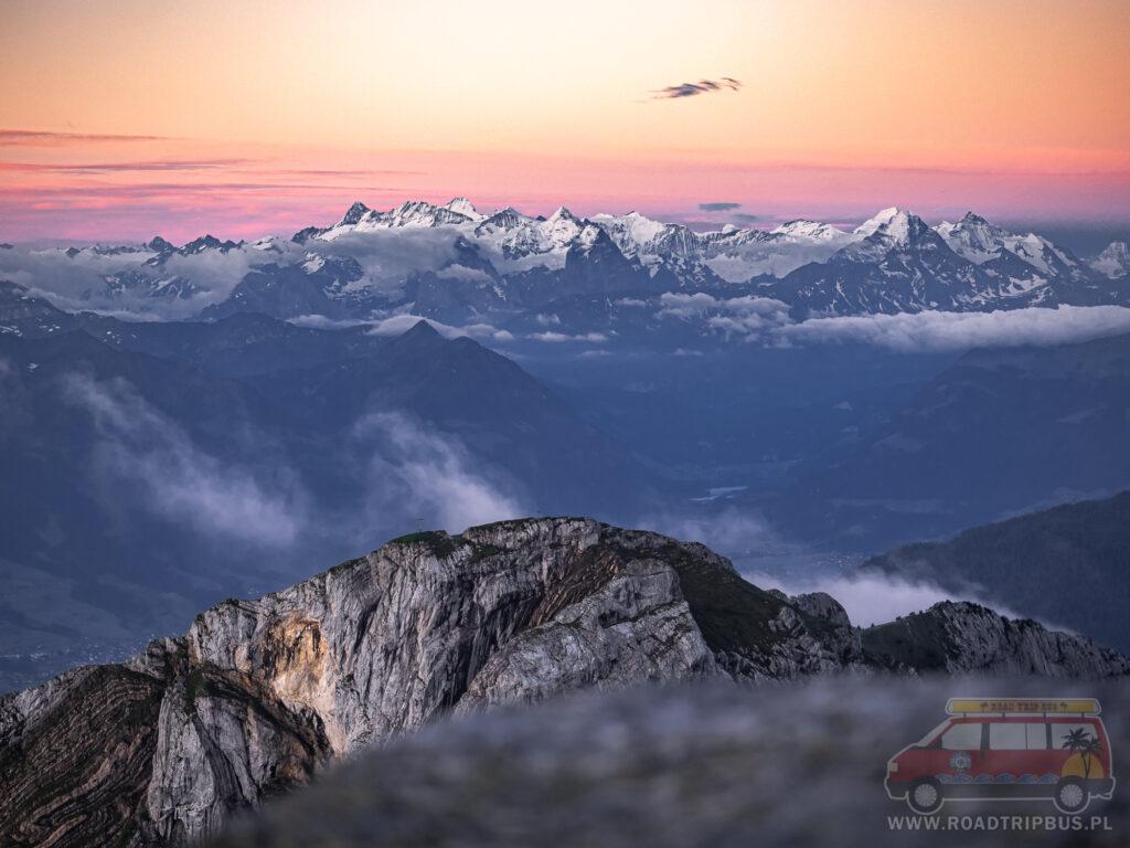 widok na alpy z masywu pilatus