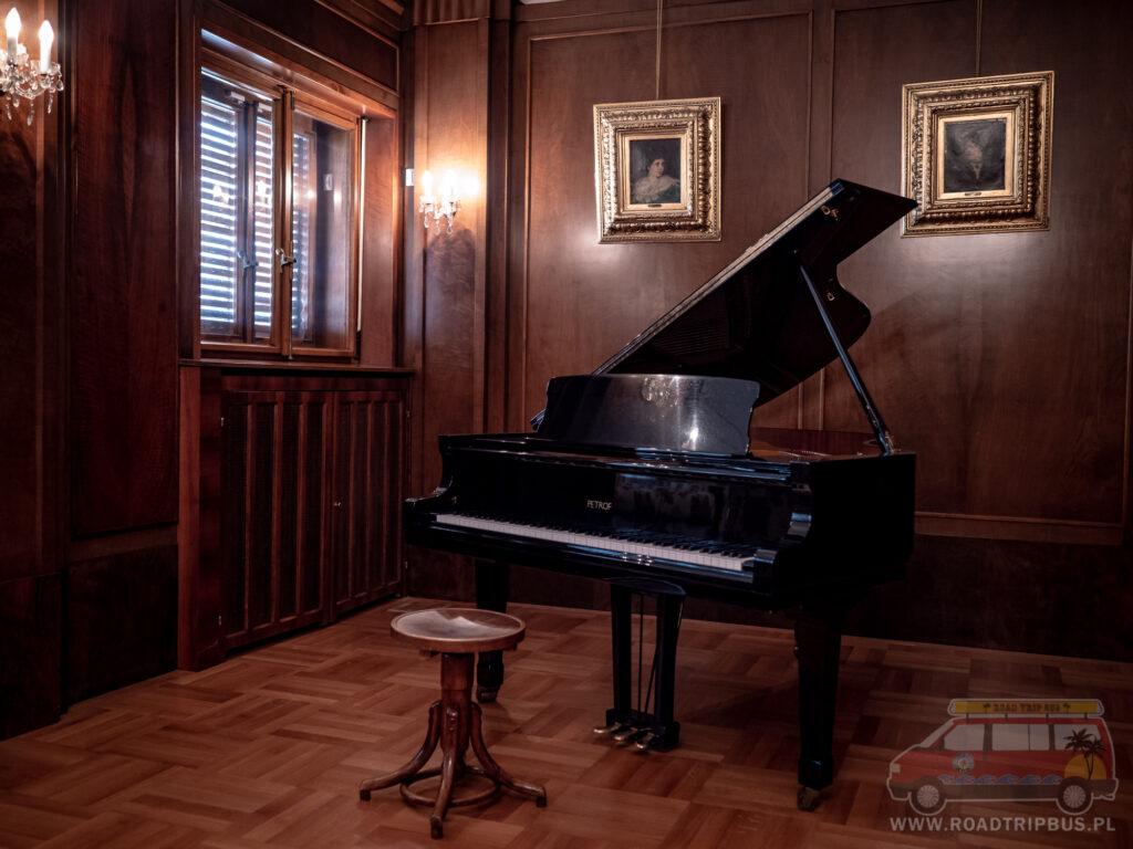 pianino w willi stiassny