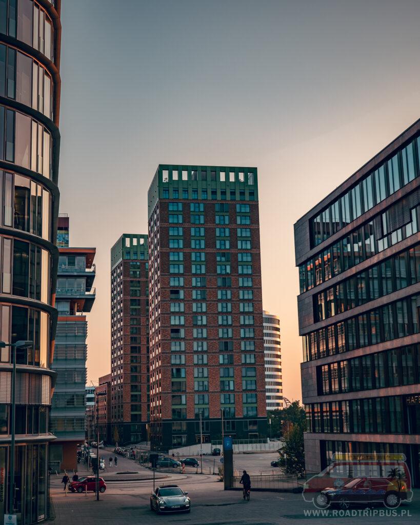 kompleks budynków win win turm w Düsseldorf