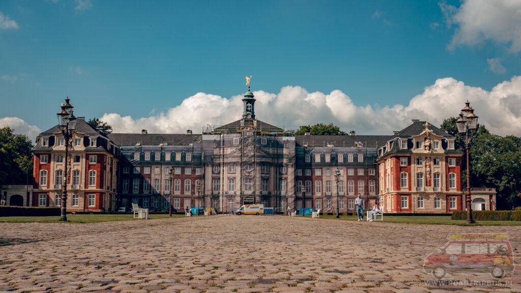 pałac w Munster