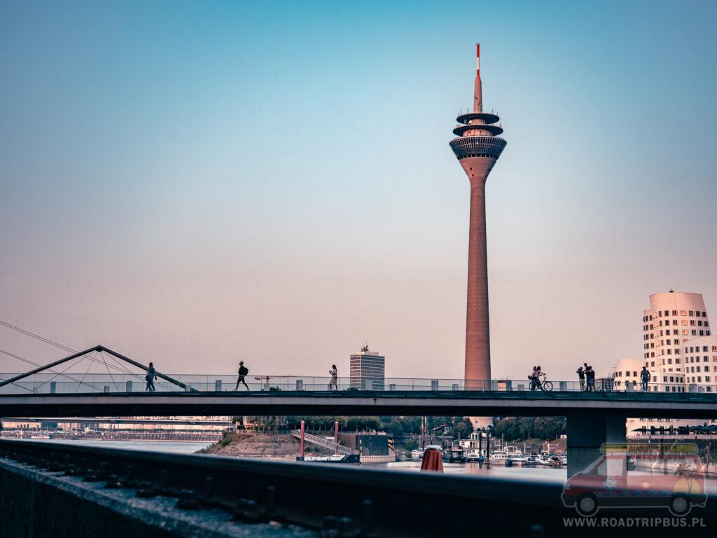 wieża nad renem