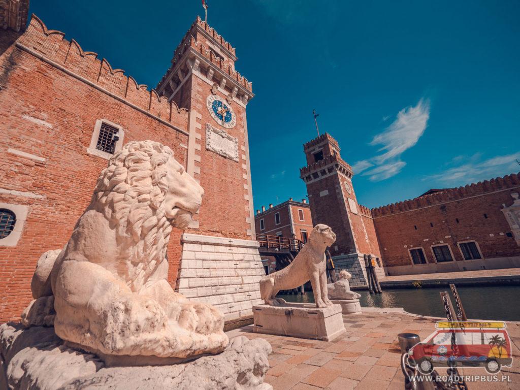 Lwy przed Arsenałem w Wenecji