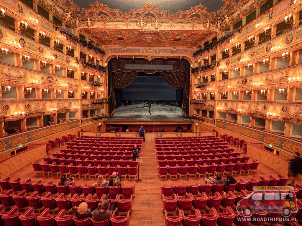 scena teatru La Fenice w Wenecji